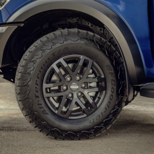 2018_FORD_RANGER_RAPTOR_WILDTRAK_Shot7_Alloy.jpg