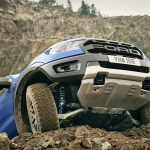 2018_FORD_RANGER_RAPTOR_WILDTRAK_Shot19_SuspensionBashPlateStatic_06.jpg